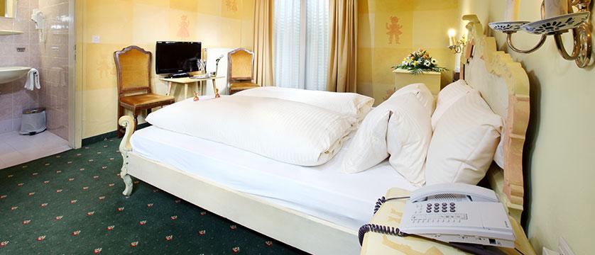 Hotel Tyrol & Alpenhof, Seefeld, Austria - double bedroom.jpg